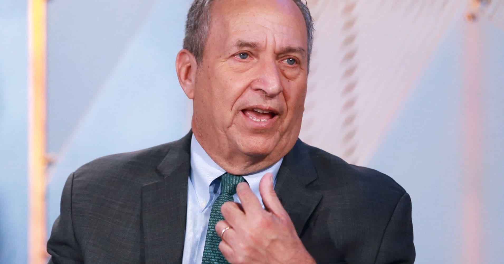 Ex-Treasury Sec Larry Summers just completely trashed the Trump tax plan