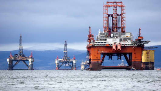 Norway's Seadrill warns of share, bond wipe-out in restructuring