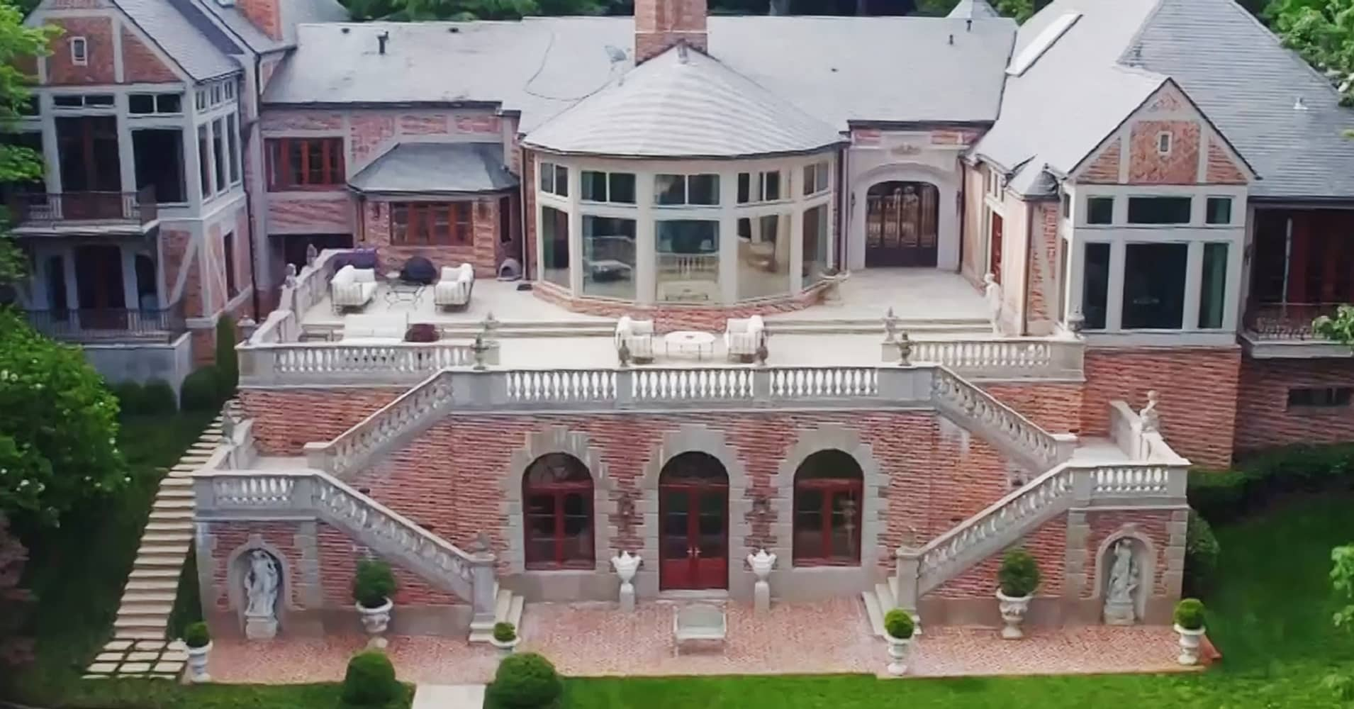Most expensive house in georgia on the market for 48 million for Cost to build a house in georgia