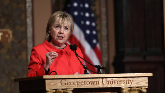 Hillary Clinton called for Syrian airbases to be 'taken out'