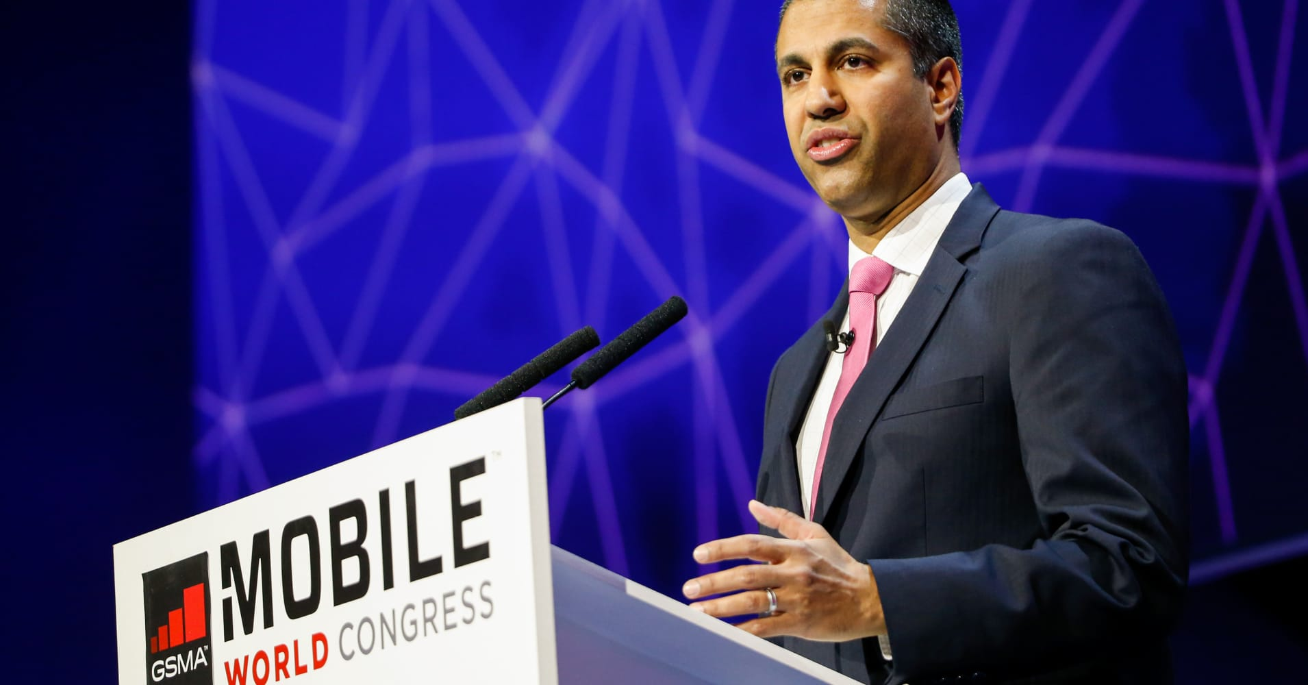 FCC approves easing business data service regulations