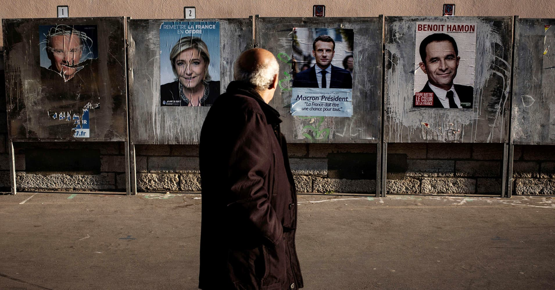 France votes in cliffhanger presidential election on Sunday