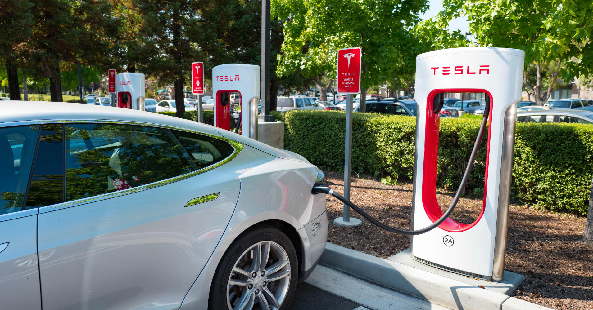 Tesla Will Double Number Of Supercharger Stations In 2017