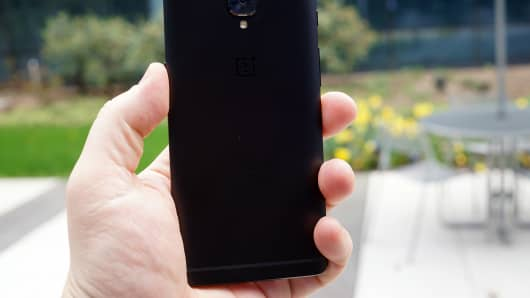 OnePlus 5 Leaked Online, Find Out Release Date, Specs, Features & Price