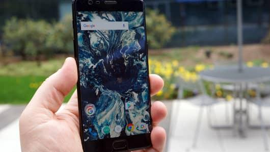 CNCB: OnePlus 3T Midnight Black 6
