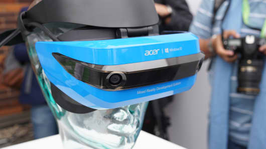CNBC: Acer mixed reality