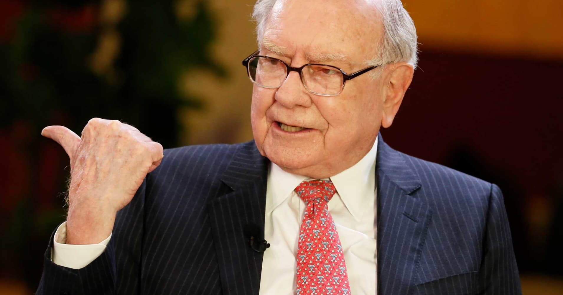 Buffett says Trump hasn't had much effect on the economy yet