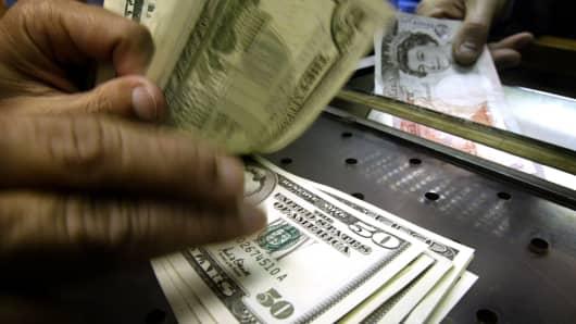 Euro near 6 moth highs pound sags versus yen after manchester blast - Bureau de change euro dollar paris ...