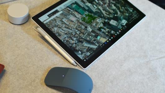 CNBC Tech: Surface Pro - 6