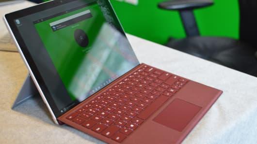 CNBC Tech: Surface Pro - 3