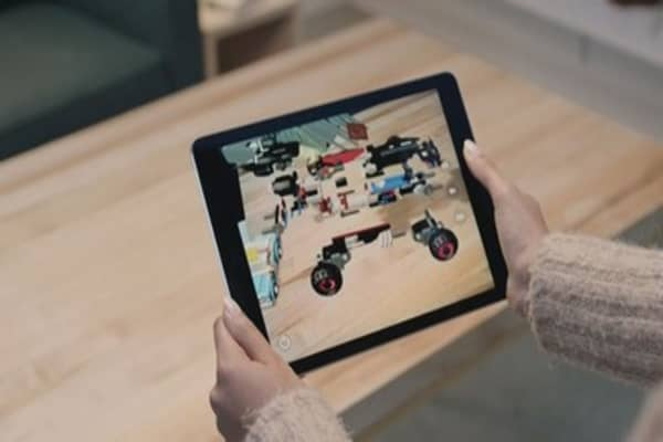 A first look at Apple's new augmented reality app