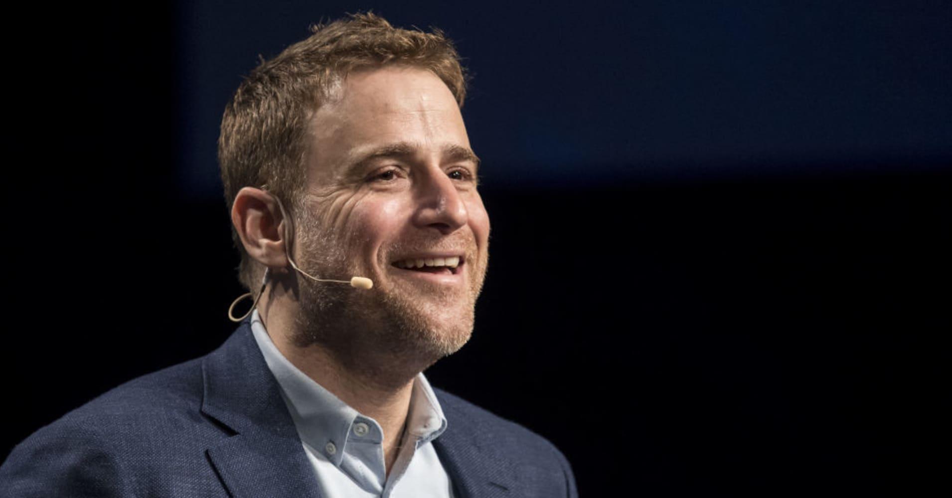 Top VC deals: Toyota backs Getaround, Slack tops $7 billion, Founders backs wall-crawling robots
