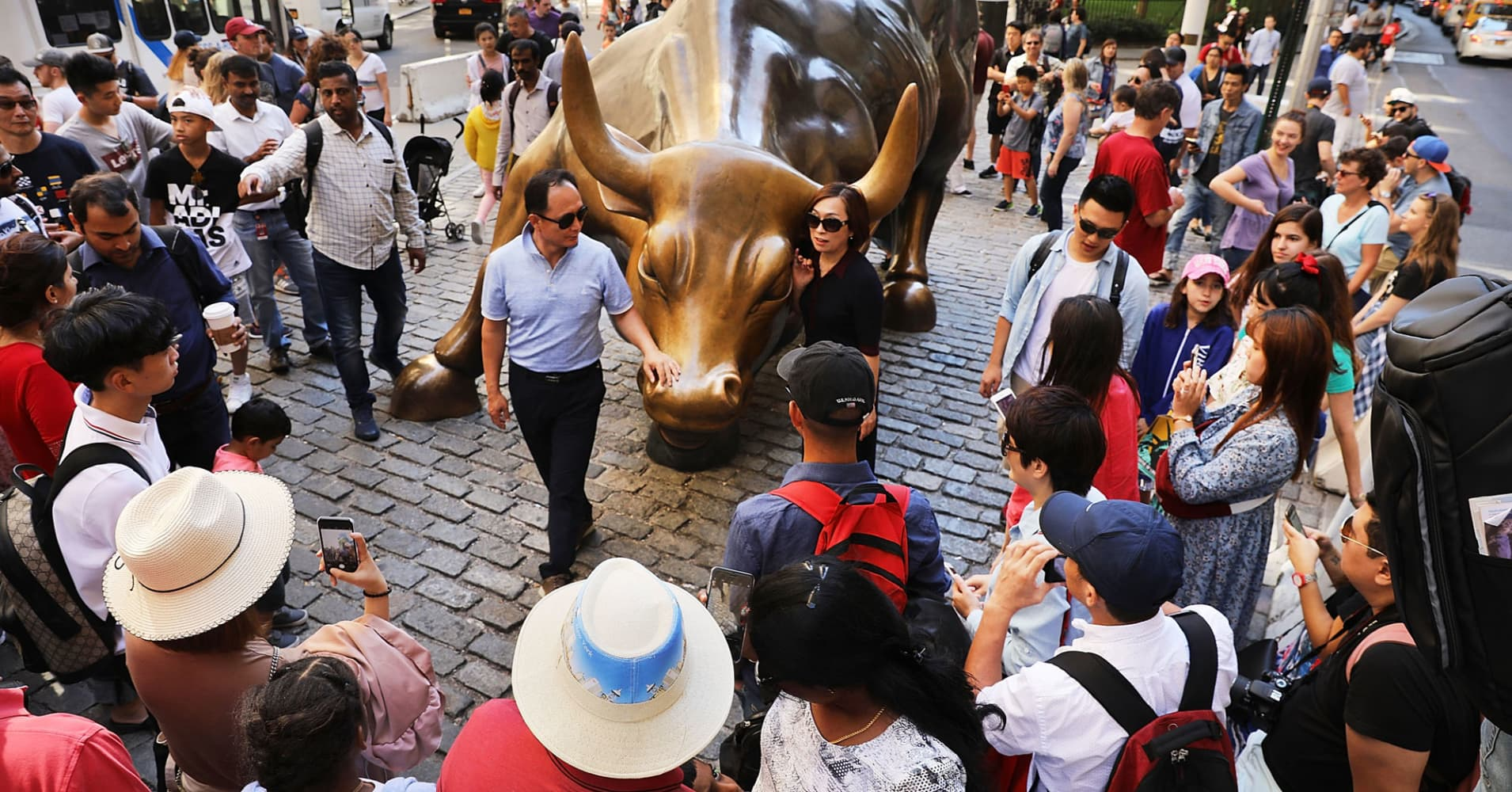 Wall Street's biggest bull sees S&P 500 at records by year's end. Here's how it gets there