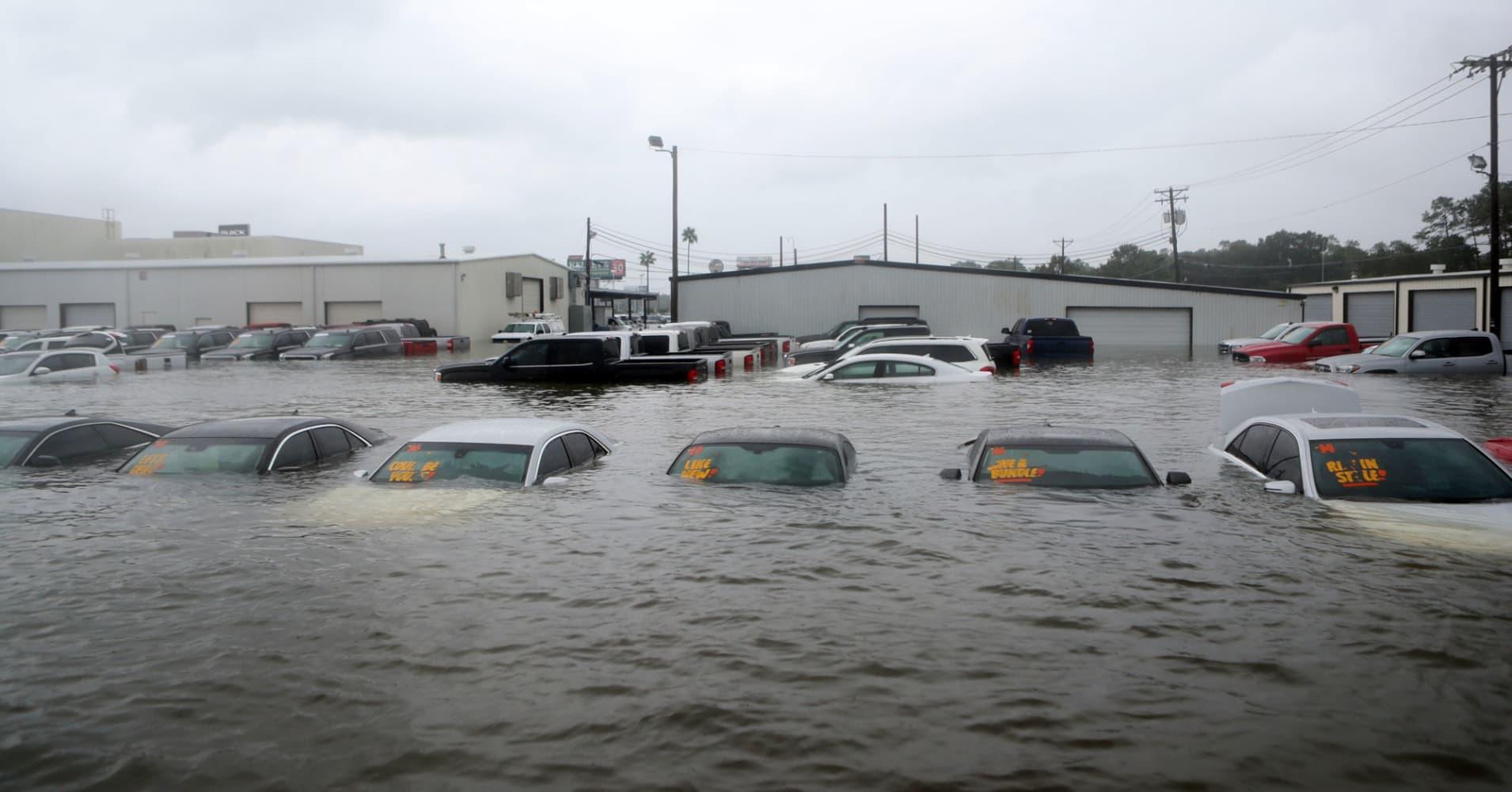 HurricaneHarveySlamsAutoIndustry