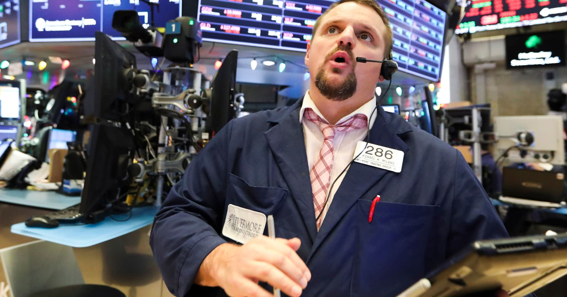 Stocks gain under the 'first five days' rule, setting up for a good 2019 performance