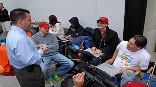 "CNBC's Jim Goldman interviewing the ""Zooomr"" group."