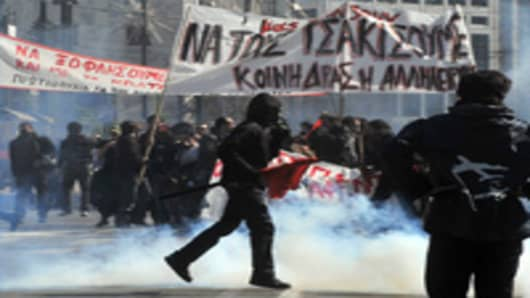 greece_0311_riots.jpg