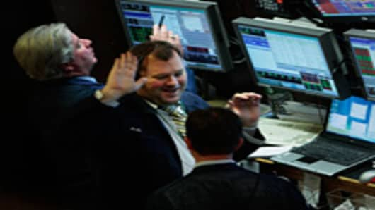 traders_high_five_200.jpg
