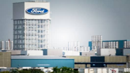 Ford announced today that it is cutting production by 21% resulting in downtime at the assembly plant in St. Thomas Ontario on Friday Aug. 18, 2006. Ford Motor Co. announces sharp cuts in its North American production that would force it to partially shut down plants in the U.S. and Canada in the fourth quarter. (AP Photo/Canadian Press, Geoff Robins)