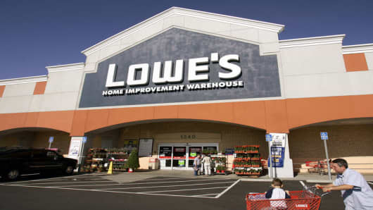 A Lowe's shopper returns to his car Monday, Nov. 14, 2005, in San Bruno, Calif. (AP Photo/Ben Margot)