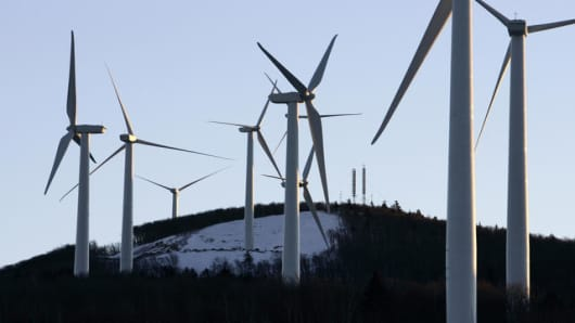 A cluster of windmills of the north side of Mars Hill Mountain is seen Sunday, Jan. 21, 2007, in Mars Hill, Maine. Maine land use regulators took a big step Wednesday, Jan. 24, 2007, toward denial of proposed wind project in Reddington Township, citing concerns about its visual impact. (AP Photo/ Robert F. Bukaty)