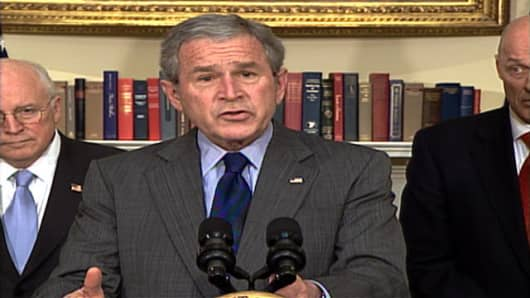 President Bush ocomments on the US Economy from the White House, with Vice President Dick Cheney, left, and Treasury Secretary Henry Paulson, right.