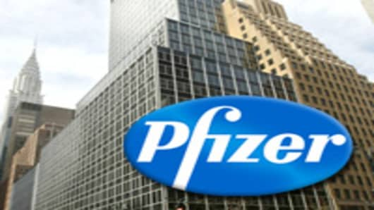 Pfizer To Cut Or Relocate Up To 1 400 Nyc Workers