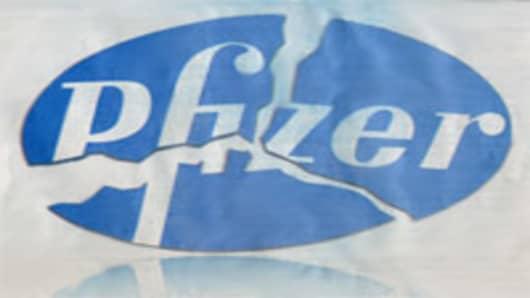 pfizer_ad0508.jpg