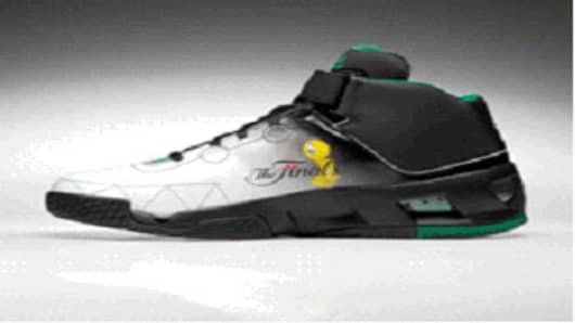 Garnett's 2008-09 adidas Team Signature Commander shoe