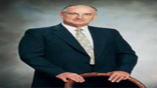 Long-time Buffett friend and former Kiewit CEO Walter Scott, Jr.