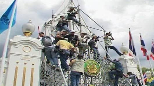 thai protest.jpg