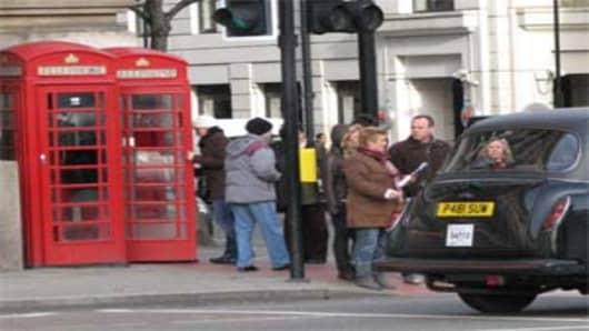 london_phonebox_cab_300.jpg