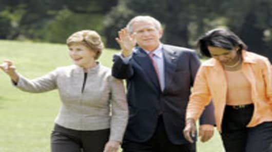 Laura Bush, George Bush and Condoleezza Rice