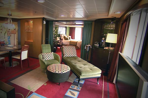 The Owner's Suite occupies the Pearl's entire top deck, offering privacy and a bird's eye view of the ship's goings-on.