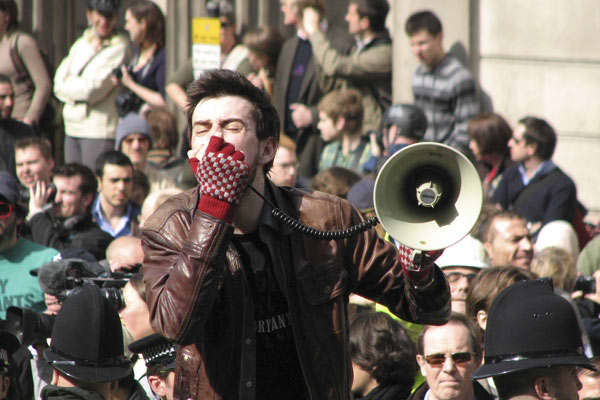 "Tens of thousands of people voiced their anger at the world economic crisis in London's financial district Wednesday, one day before a summit by leaders of the G20 countries in Europe's financial capital. Protesters accused bankers of ""robbing"" the economy and a few hundred people smashed the windows of the Royal Bank of Scotland, whose CEO retired last year with a big pension despite the fact that the bank was nationalized to be saved from collapse.Four different groups tried to organize one la"