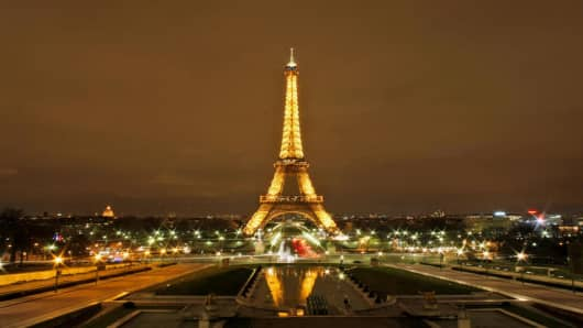 The Eiffel Tower is seen from the Trocadero in Paris, France, Thursday, March 12, 2009. (AP Photo/Muhammed Muheisen)