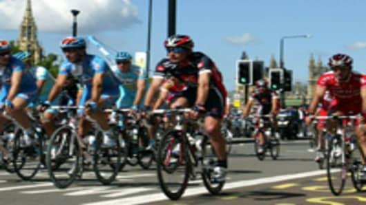 cyclists_200.jpg