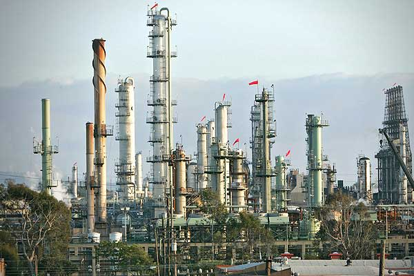 Proved oil reserves: 19.2 billion barrels Proportion of world total: 1.42% Total oil production: 9.14 million barrels Consumption: 18.81 million barrelsPictured: Chevron El Segundo Refinery, California