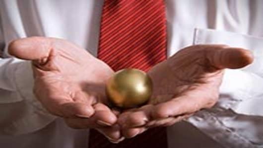 golden_egg_holding_200.jpg