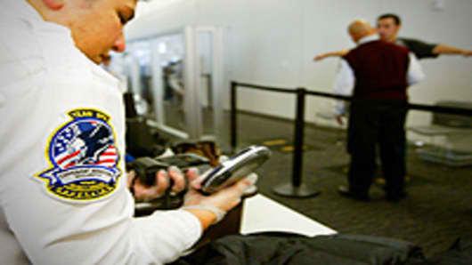 airport_security_200.jpg
