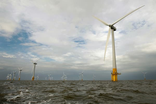 Company: Company: M&A Type: Amount: Norwegian energy companies Statkraft and StatoilHydro joined forces to develop a 315-megawatt, offshore wind farm off the coast of Norfolk in the UK. The wind farm will consist of 88 turbines and is planned to start production in 2011.