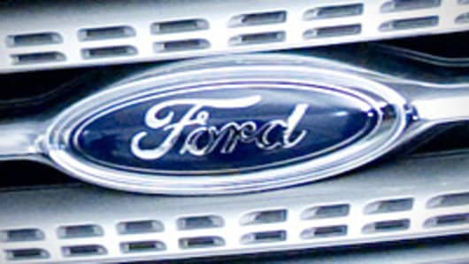 Grille of the 2010 Ford Taurus