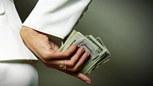 woman_money_secret_200.jpg