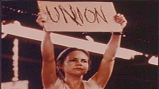 woman_union_sign_200.jpg