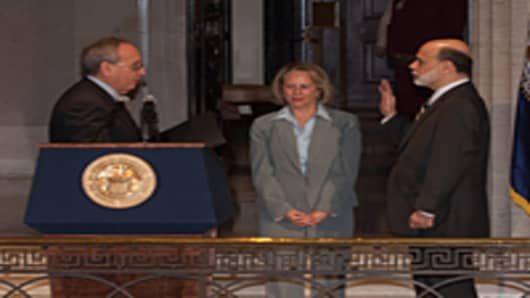 bernanke_sworn_in_200.jpg