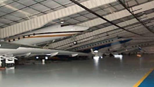 airport_hanger_roof3_200.jpg