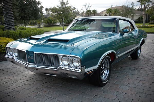 Sold at 2010 Barrett-Jackson Scottsdale auction for $159,500A rarer, pricier muscle car than its sibling, the Chevelle, the Olds 442 offered an elegant but powerful alternative for horsepower junkies with deep pockets.