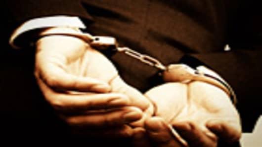 handcuffs_man_140.jpg