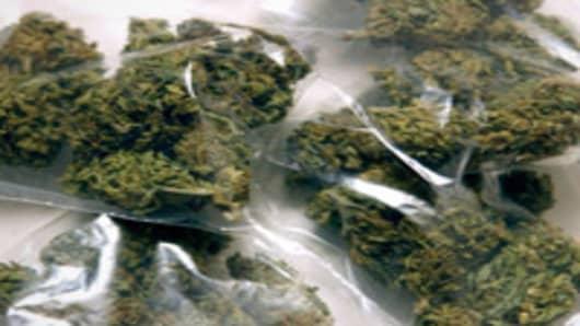 intro_marijuana_bags_200.jpg