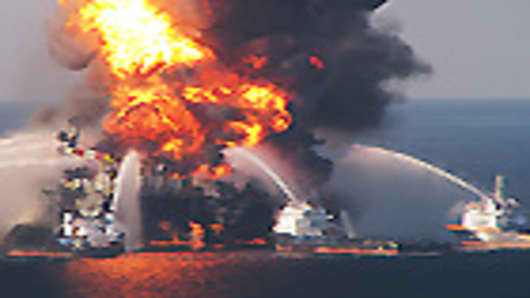 mexico_oil_rig_explosion_140.jpg